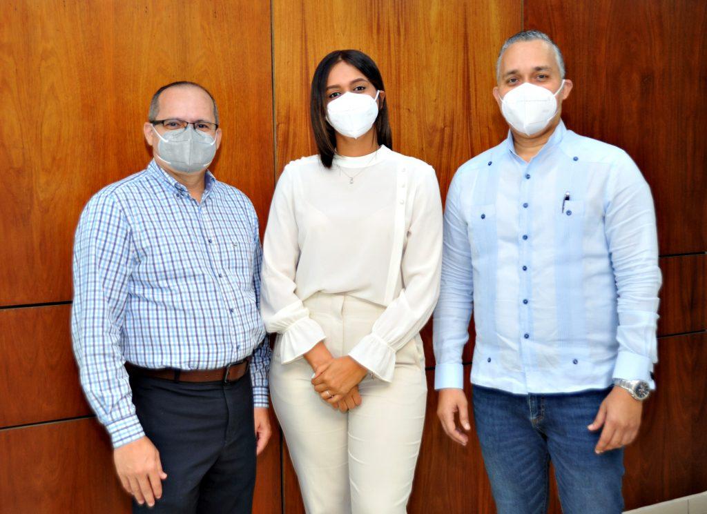 José Miguel Martínez, Nicole Cruz y Angel Arias