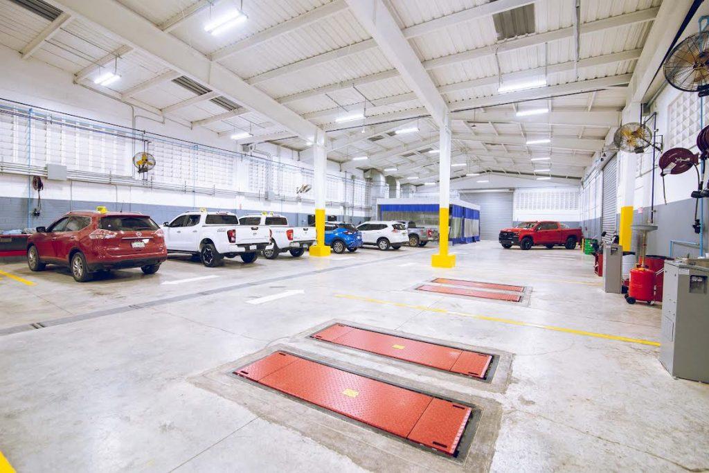 El área de taller y reparaciones de vehículo del nuevo establecimiento