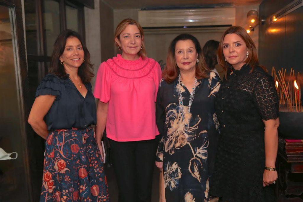 Michelle Morales, Isabel Turull, Rosa Vicioso y Maríajosé Turull de Roig