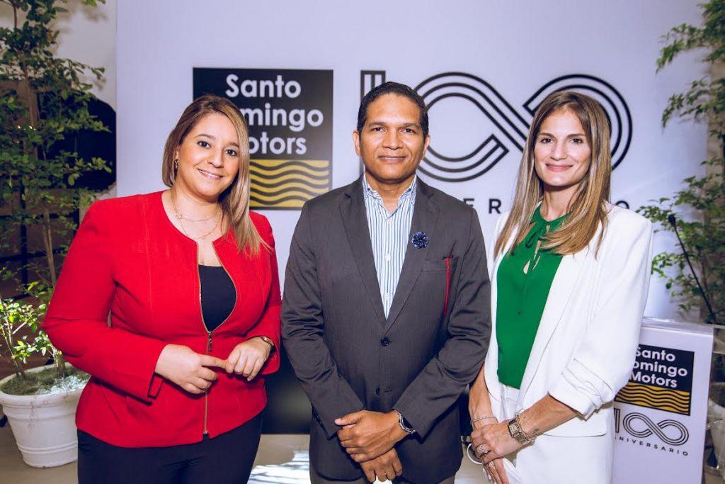 Annya Peña, Oscar Santana y Ana Viñas.