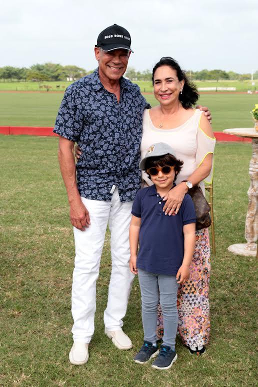 Tony Rivera, Marta de Rivera y Daniel Rivera (niño)