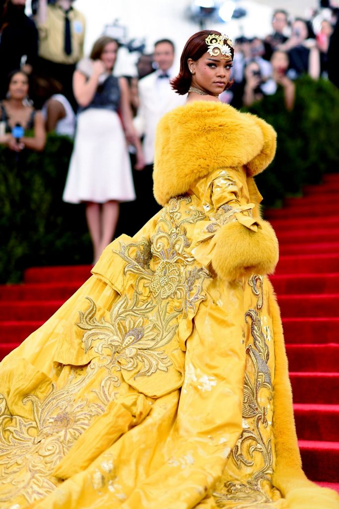 Rihanna en Guo Pei para la gala 2015 ¨China: A través del espejo