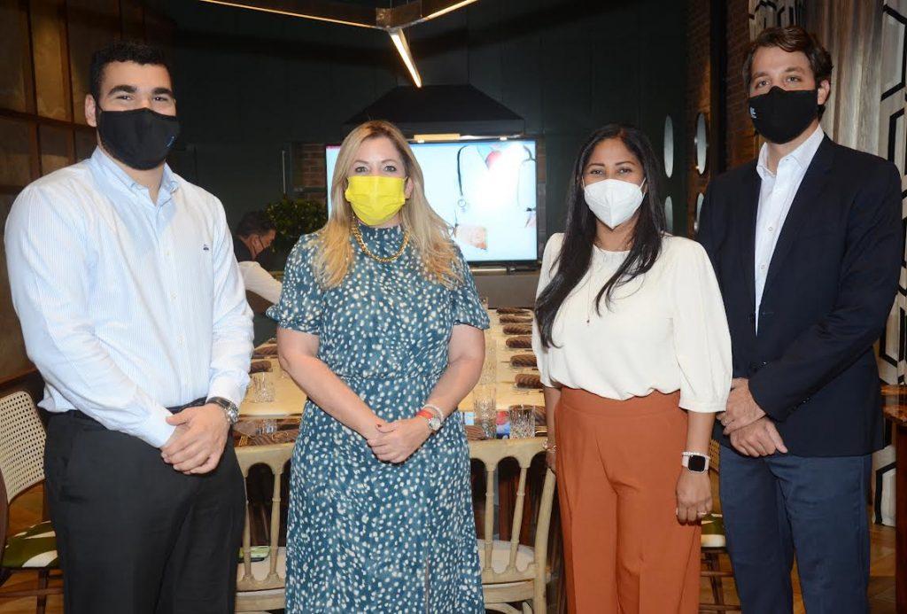 Diego Pimentel, Pamela Álvarez, Lizka Richards y Peter Díaz