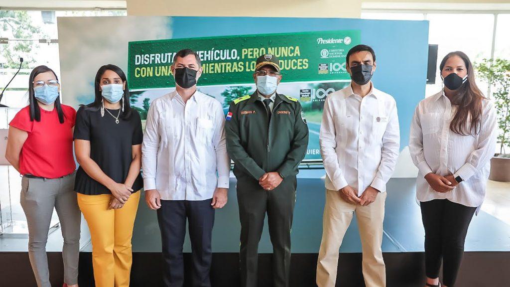 Marielly Figueroa, Kendra Montilla, Aníbal Rodríguez, Mayor General Ramón Guzmán, Marcio Juliano y Noelia Merejo