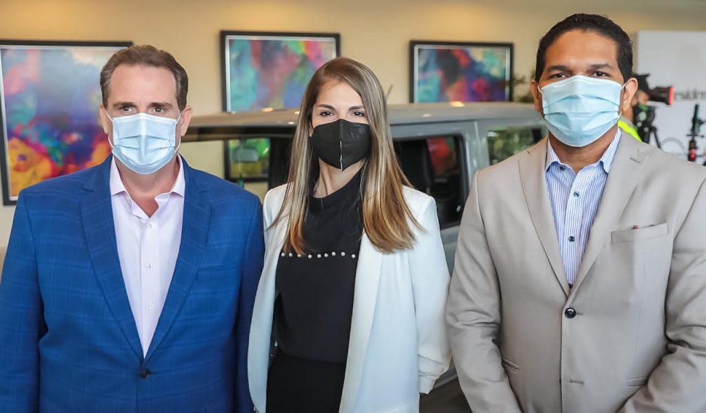 Fernando Álvarez, Ana Viñas y Oscar Santana