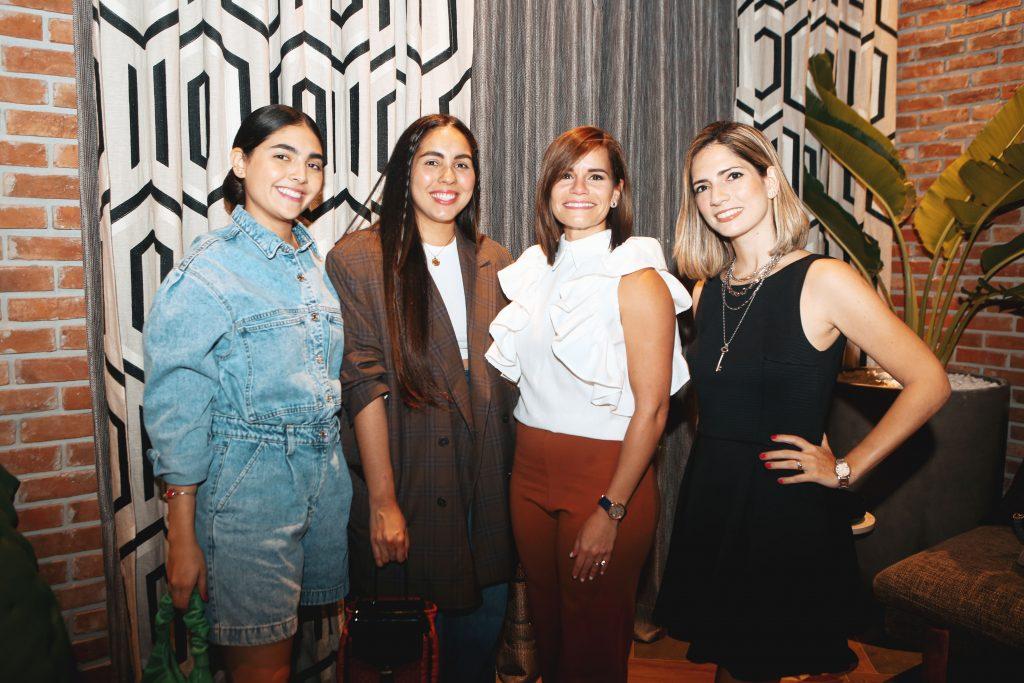 Nicole Betances, Yazmín Yeara, Carla Chalas y Nicole Rizik